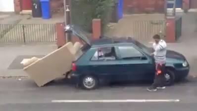 Cum sa bagi o canapeea in masina