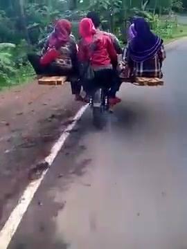 Taxi pe doua roti cu motocicleta
